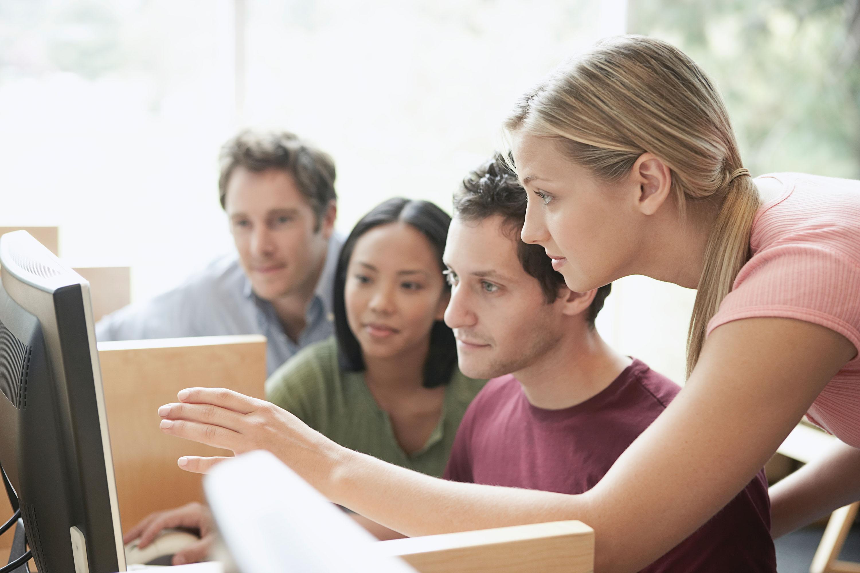 搭建职业扶梯,培养领域专家